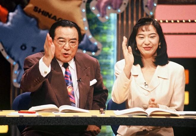 25年前の愛川欽也さん&八塩圭子アナ (C)テレビ東京