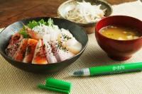 ボールペン型 ゆかり 使い方をレクチャー�B ご協力:三島食品