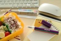 ボールペン型 ゆかり 使い方をレクチャー�C ご協力:三島食品
