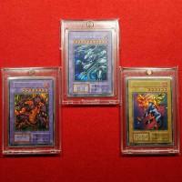 【遊戯王カード】けい(K)氏コレクション (写真左から)『メテオブラックドラゴン/青眼の究極竜/ファイヤーウイングペガサス』試作カード