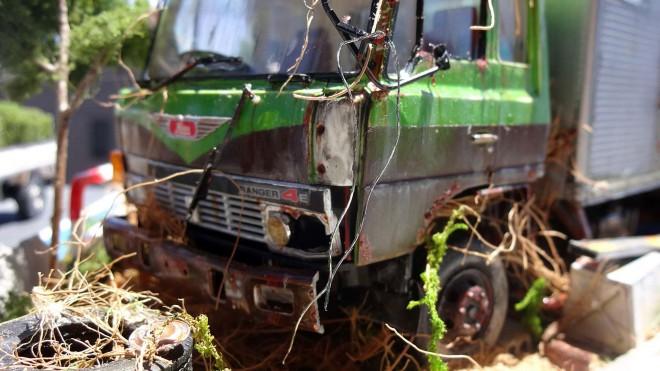さびや、朽ち果てた様子を見事に表現 作品:田舎の自動車整備工場の片隅に佇む倉庫代わりの廃車のトラック 制作:ワタワタ 写真提供/ワタワタ氏