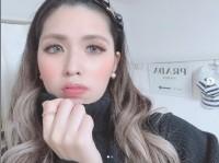 美白がまぶしい、オフタイムの宇津木秀美さん