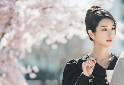 Netflixオリジナルシリーズ『サイコだけど大丈夫』で人気童話作家コ・ムンヨンを演じたソ・イェジ