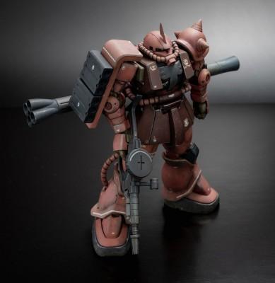 ガンプラ制作復帰のきっかけとなったHG 機動戦士ガンダム THE ORIGIN シャア専用ザクII 制作・画像提供/ろろ氏 (C)創通・サンライズ