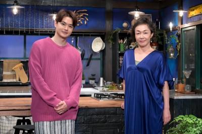 『グレーテルのかまど』に出演している瀬戸康史、キムラ緑子(C)NHK