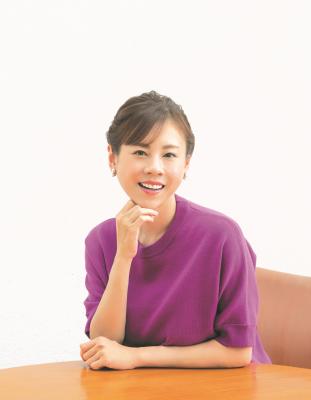 『ネガティブだった私が見つけた、毎日ポジティブに過ごす秘訣』(宝島社) を出版した高橋真麻