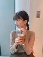 カフェでまったりしている赤坂星南