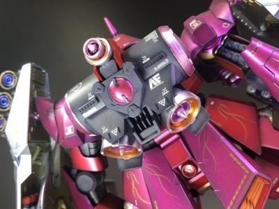 ガンダムマーカーでフル塗装したRE100のヤクト・ドーガ 制作・画像提供/めおぷら氏 (C)創通・サンライズ