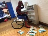 部屋の掃除中、気づいたら漫画読んでたりしてた事ってありませんか? 3/4枚