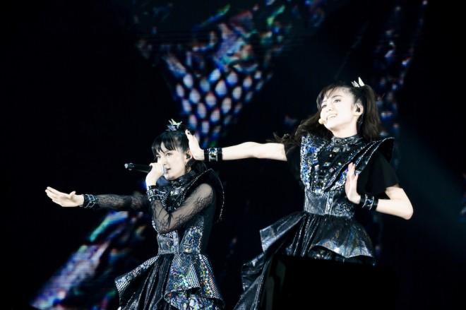2020年1月25日-26日に行われた「METAL GALAXY WORLD TOUR IN JAPAN EXTRA SHOW」(幕張メッセ国際展示場)でパフォーマンスをするBABYMETAL Photo by Takimoto