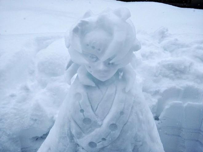 一人 雪 まつり 【散策物語】おっさんが一人で「⛄雪だるままつり」2021冬
