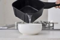 汁物が注ぎやすい四角いフライパン「sutto」