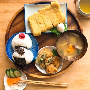 男子大学生が作った理想の朝ご飯(画像提供:@hirosryouri)