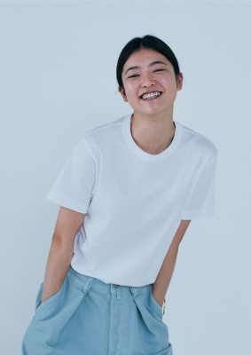 ファミリマート「Convenience Wear」男女兼用のアウターTシャツ[1089円(税込)]