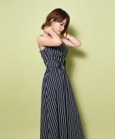 「マキシワンピース」モデル:岸明日香
