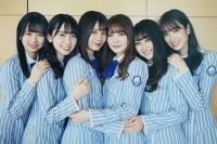 オフショット写真集『日向撮VOL.01』を発売した日向坂46