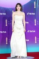 映画『ザ・コール』(Netflixで配信中)映画部門 女性最優秀演技賞を受賞したチョン・ジョンソ=『第57回 百想芸術大賞』レッドカーペット