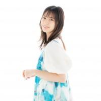 1st写真集『君は誰?』を発売した日向坂46・小坂菜緒
