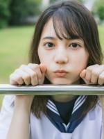日向坂46・小坂菜緒1st写真集『君は誰?』
