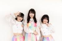 虹のコンキスタドール(左から)的場華鈴、桐乃みゆ、根本凪