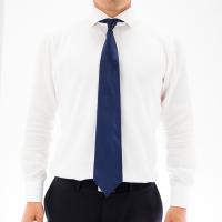 一見シックな普通のネクタイに見える『カップヌードル食ってる風ネクタイ』