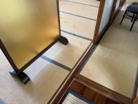 血のような足跡が…犯人は3歳女児? 藤基神社で起きた「可愛すぎる事件」