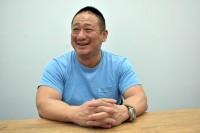 インタビューに応える高木三四郎氏