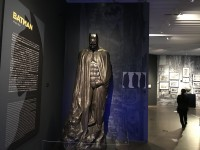 バットマンの像(『ダークナイト ライジング』2012年)