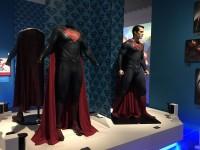 ヘンリー・カヴィルが着用したコスチューム(『マン・オブ・スティール』2013年、『バットマン vs スーパーマン ジャスティスの誕生』2016年)