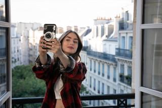 『エミリー、パリへ行く』シーズン1場面写真