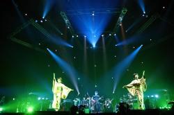 「夜の踊り子」では日本舞踊の舞い手が登場