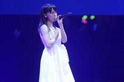 小嶋真子は唯一のソロ披露