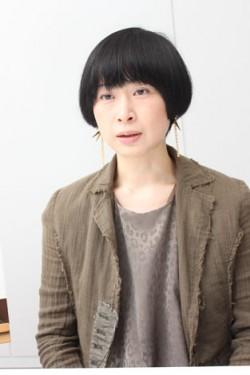 撮影現場のタナダユキ監督