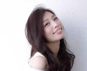 Profile 上野 仁美さん ファッション誌、ヘアカタログほか、広告企画を中心にモデルとして活動中。