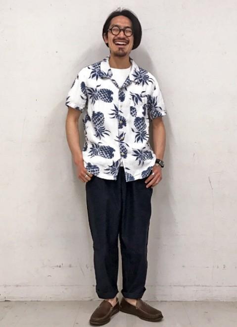 「レミ レリーフ×ビームス プラス」のアロハシャツ1万9800円(税抜)
