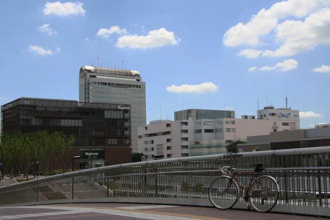 企業や国の研究機関が集まるつくば市は隣町