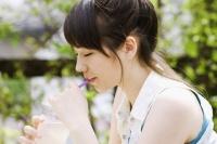 """働く女性のコンビニデザート事情 トレンドは""""隠れ""""ご褒美感覚"""