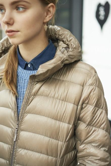 重ね着もしやすく、さまざまなスタイルに対応できるのも強み