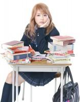 清純派女優・有村架純が超ミニスカの金髪ギャルに!映画『ビリギャル』映像