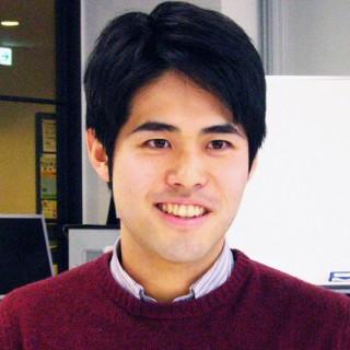 (左)淵崎真博さん(総合経営学部経営学科4年/金融機関内定)高校を卒業後、関東にある4年制総合大学理工学部に入学。就職への不安を感じて、2年次に大阪商業大学へ編入。