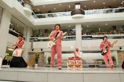 ダンスロックエアーバンドのDISH//[リリースイベント2013年2月16日撮影/(C)ORICON NewS inc.]