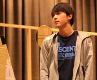 吉沢亮を舞台稽古場で直撃!人気若手俳優が明かした不安と焦りとは?