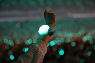 SHINeeのライブで配布された「無線コントロールペンライト」