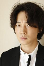 綾野剛インタビュー『輝いて愛されて、愛おしい存在』