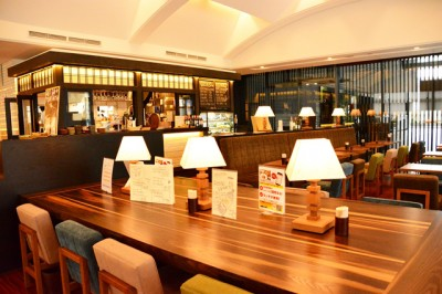期間限定で「しちゃってみプロジェクト」を実施する「Common Lounge Terrace 8890」(東京都・千代田区)はシックで落ち着いた雰囲気!