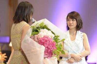 第4回で卒業したライバル・前田敦子が会場に駆け付け感極まり号泣した大島