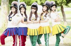 CRAYON POP、ジャージにヘルメット姿の異色グループが日本デビュー!