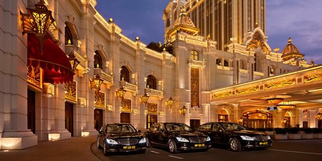 高級ホテルがズラリと立ち並ぶマカオの街並み