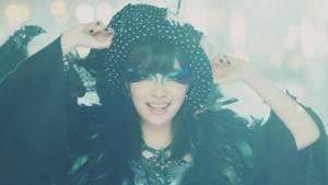 AKB48の41stシングル「ハロウィン・ナイト」MVより(指原莉乃)