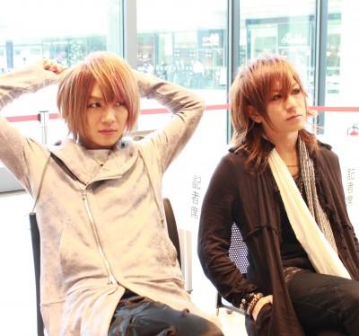 DaizyStripper(左から)風弥〜Kazami〜、夕霧